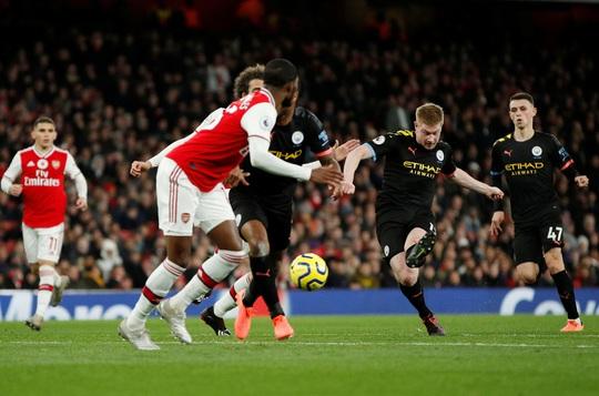 Sao Bỉ chói sáng, Man City đè bẹp Arsenal tại Emirates - Ảnh 4.