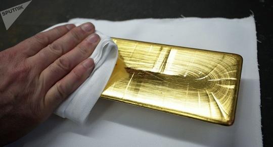 Hàng tỉ USD tiền và vàng biến mất bí ẩn - Ảnh 1.