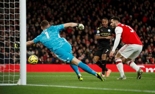 Sao Bỉ chói sáng, Man City đè bẹp Arsenal tại Emirates - Ảnh 3.
