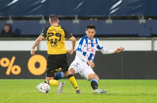 Văn Hậu đã được thi đấu cho Heerenveen: Đá 4 phút cuối, nhận 1 thẻ vàng - Ảnh 2.