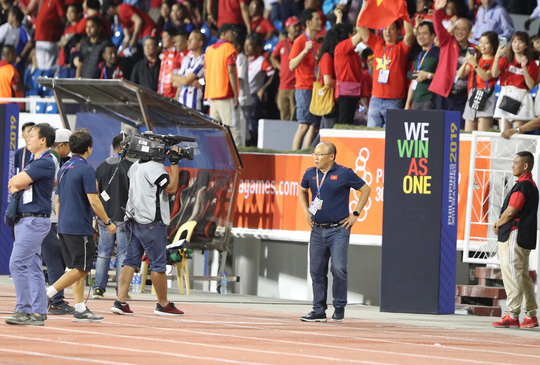 Clip lý giải vì sao học trò HLV Park Hang-seo không đầu hàng ở hiệp 2? - Ảnh 2.