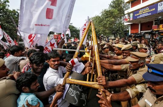 Ấn Độ căng thẳng vì luật công dân mới - Ảnh 1.