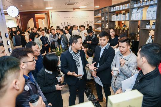 4 m2 cũng mở được quán cà phê Trung Nguyên ở Hà Nội? - Ảnh 1.