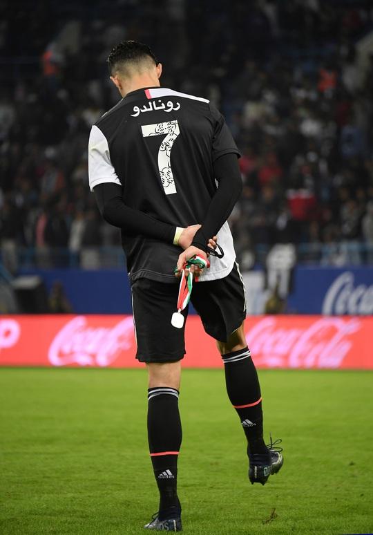 Juventus thua Siêu cúp Ý, Ronaldo vuột chiếc cúp thứ 30 trong sự nghiệp - Ảnh 8.