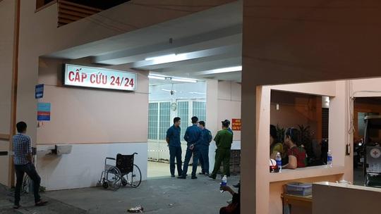 Diễn biến mới vụ người đàn ông nổ súng tự sát ở Bệnh viện Trưng Vương - Ảnh 1.