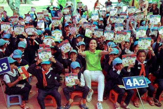 H'hen Niê gây quỹ hơn 22.000 USD cho tổ chức Room to read - Ảnh 1.