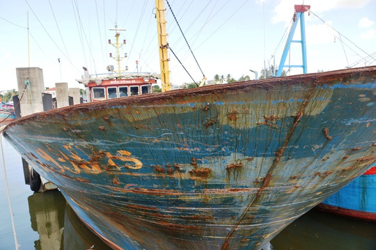 Chùm ảnh: Xót xa cảnh tàu vỏ thép hàng chục tỉ bỏ hư hỏng - Ảnh 12.