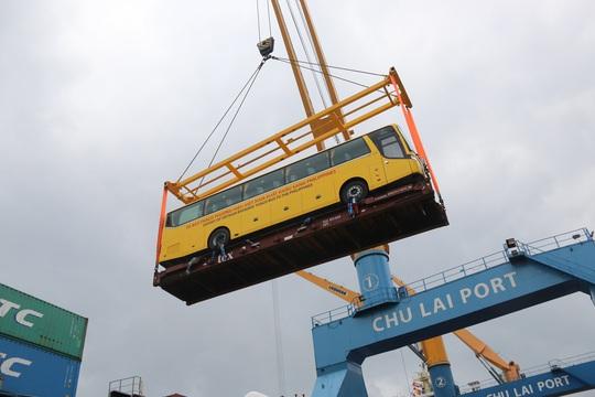 THACO xuất lô hàng xe bus thương hiệu Việt đầu tiên sang Philippines - Ảnh 3.
