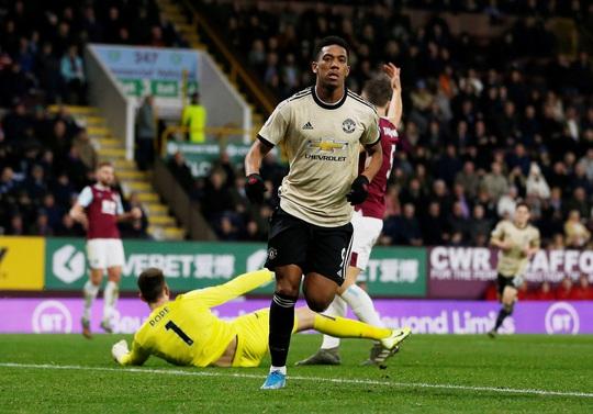 Chủ nhà Burnley tặng quà, Man United vào Top 5 - Ảnh 4.
