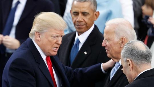Đến lượt ông Joe Biden nếm đòn trong vụ luận tội Tổng thống Donald Trump - Ảnh 1.