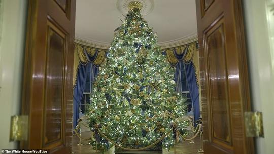 Đệ nhất phu nhân Mỹ đổi kiểu trang trí Nhà Trắng mùa Giáng sinh 2019 - Ảnh 2.