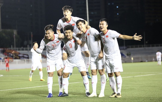 U22 Việt Nam thắng sít sao 1-0 trước Singapore - Ảnh 1.