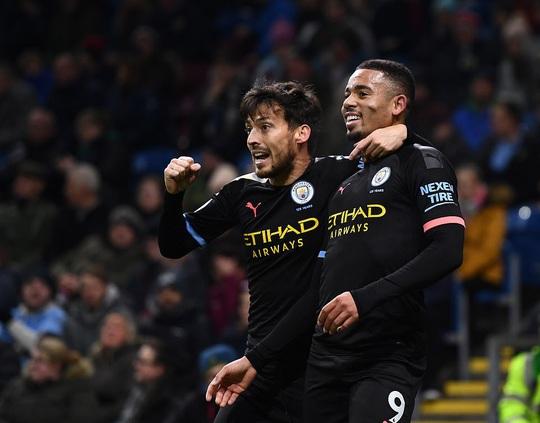Tân binh góp công siêu phẩm, Man City trở lại ngôi nhì Ngoại hạng - Ảnh 4.