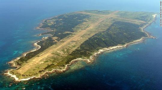 Đảo Nhật Bản có thể thành tàu sân bay của Mỹ - Ảnh 1.