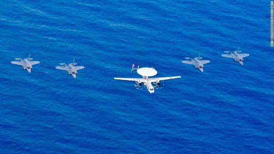 Đảo Nhật Bản có thể thành tàu sân bay của Mỹ - Ảnh 3.