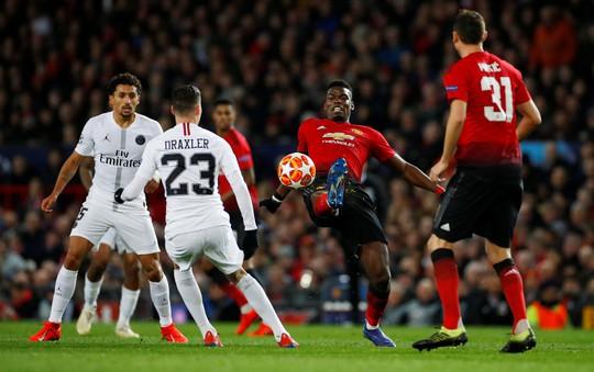 Bi kịch thẻ đỏ Pogba, Man United thua thảm tại Old Trafford - Ảnh 1.