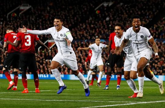 Bi kịch thẻ đỏ Pogba, Man United thua thảm tại Old Trafford - Ảnh 7.
