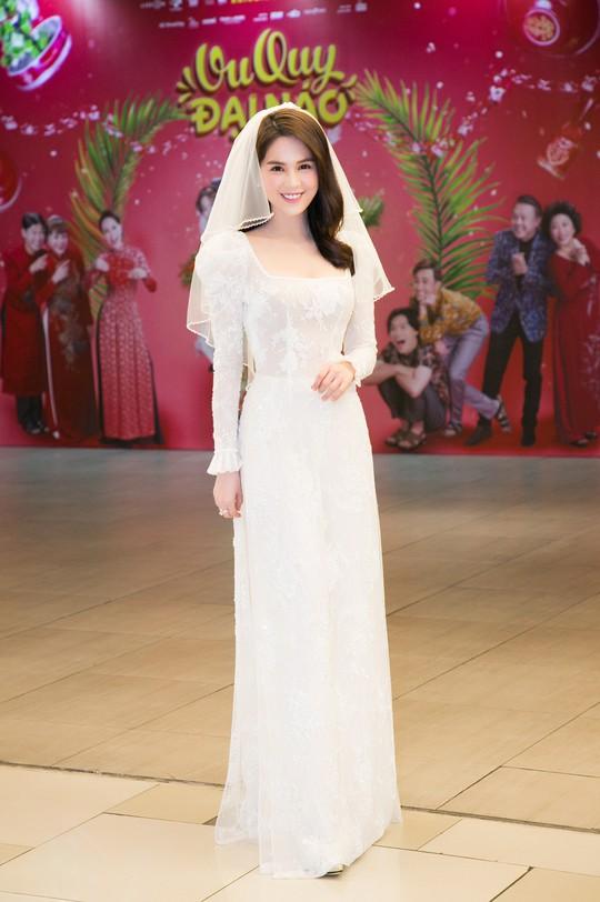 Ngọc Trinh và Diệu Nhi duyên dáng với đầm cô dâu - Ảnh 6.