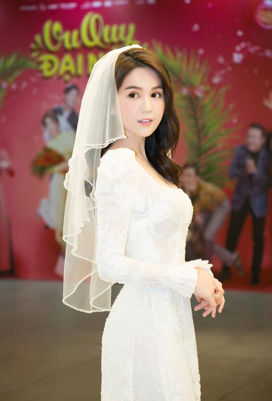 Ngọc Trinh và Diệu Nhi duyên dáng với đầm cô dâu - Ảnh 5.