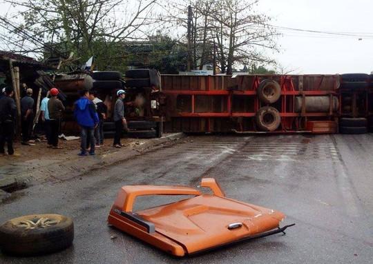 Xe container gây tai nạn liên hoàn nghiêm trọng, 4 người thương vong - Ảnh 5.