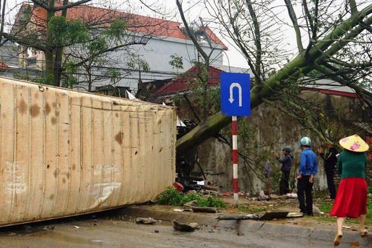 Xe container gây tai nạn liên hoàn nghiêm trọng, 4 người thương vong - Ảnh 11.