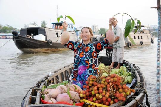 Chợ nổi lớn nhất miền Tây tấp nập nông sản những ngày giáp Tết  - Ảnh 14.