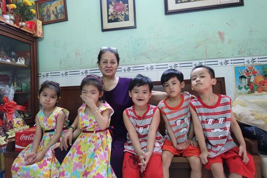 (gui ba hoi dong bai dang ngay 28 Tet)Ca sinh 5 đầu tiên ở Việt Nam bây giờ ra sao? - Ảnh 17.