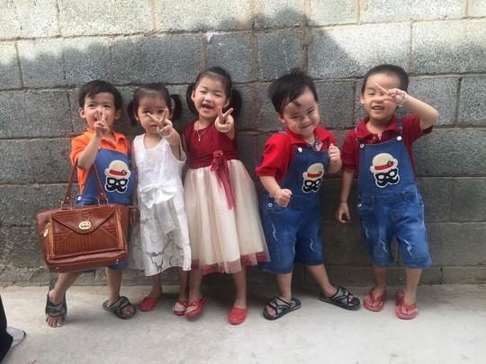 (gui ba hoi dong bai dang ngay 28 Tet)Ca sinh 5 đầu tiên ở Việt Nam bây giờ ra sao? - Ảnh 4.