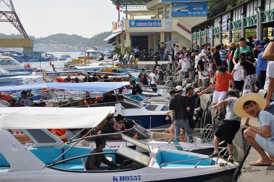 Thống nhất giá tour đảo vịnh Nha Trang là 250.000 đồng/khách - Ảnh 1.