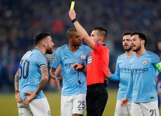 Lo VAR làm hỏng Champions League - Ảnh 1.