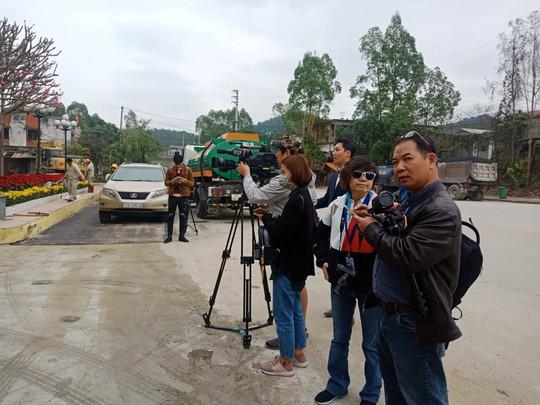 An ninh thắt chặt, hàng chục phóng viên quốc tế có mặt tại Ga Đồng Đăng trước hội nghị Thượng đỉnh - Ảnh 15.