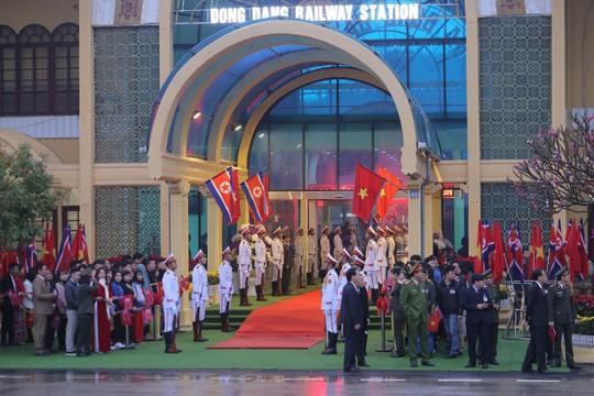 Chủ tịch Triều Tiên Kim Jong-un đến Việt Nam lúc 8 giờ sáng 26-2 - Ảnh 1.