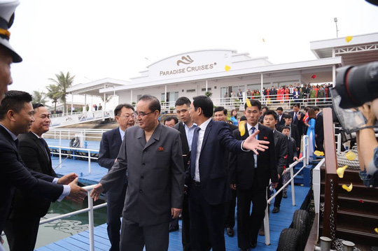 3 phó chủ tịch Đảng Lao động Triều Tiên thăm vịnh Hạ Long - Ảnh 4.