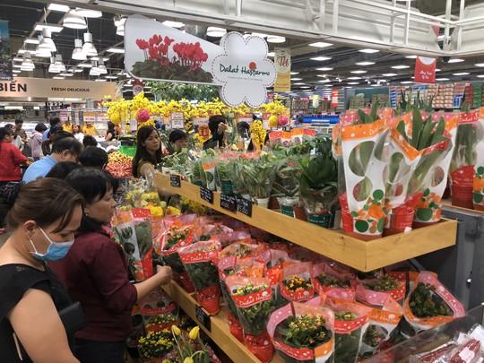 Vét sạch siêu thị sáng 30 Tết - Ảnh 11.