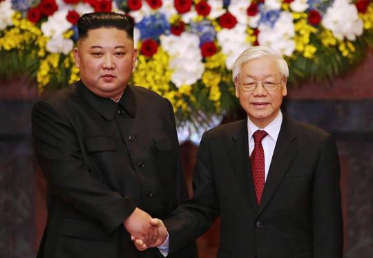 Toàn cảnh lễ đón Chủ tịch Triều Tiên Kim Jong-un - Ảnh 1.
