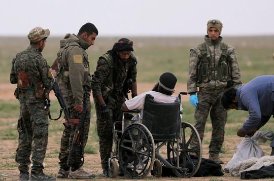 Xóa sổ IS, Mỹ chĩa mũi dùi vào al-Qaeda - Ảnh 1.