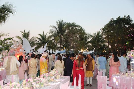 Lộng lẫy lễ cưới chính thức của tỉ phú Ấn Độ tại Phú Quốc - Ảnh 18.