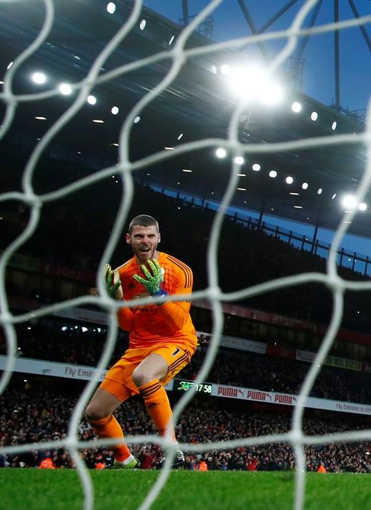 HLV Zidane muốn đưa De Gea về Real Madrid - Ảnh 1.