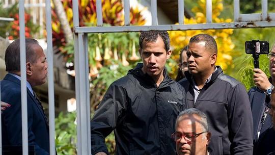 Venezuela bắt trợ lý cấp cao của thủ lĩnh đối lập, Mỹ cảnh báo lạnh lùng - Ảnh 1.