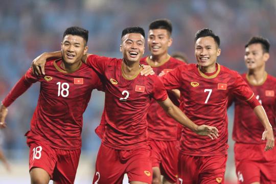U23 Việt Nam chịu đá cửa dưới để thắng Thái Lan - Ảnh 1.