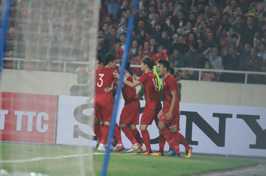 Hạ U23 Thái Lan 4-0, U23 Việt Nam trở lại VCK trẻ châu lục - Ảnh 1.