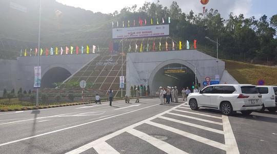 Hầm Cù Mông thu phí từ ngày 1-4 - Ảnh 2.