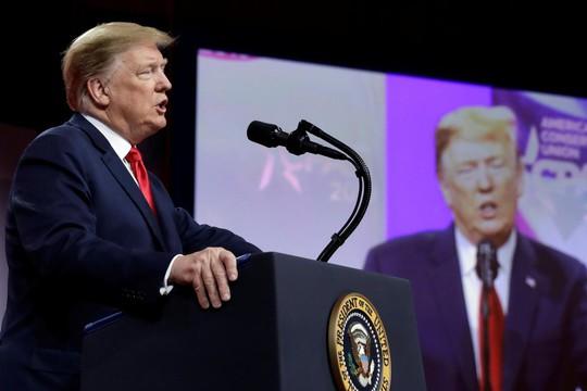 Ông Trump chỉ trích công tố viên đặc biệt, mỉa mai đảng Dân chủ - Ảnh 1.