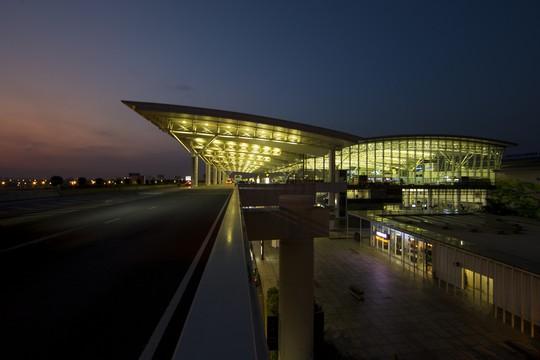 Sân bay Nội Bài như thế nào khi tắt điện vào Giờ trái đất? - Ảnh 1.
