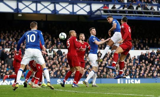 Liverpool mất thắng vì Salah, Chelsea hồi sinh với phản đồ Kepa - Ảnh 2.