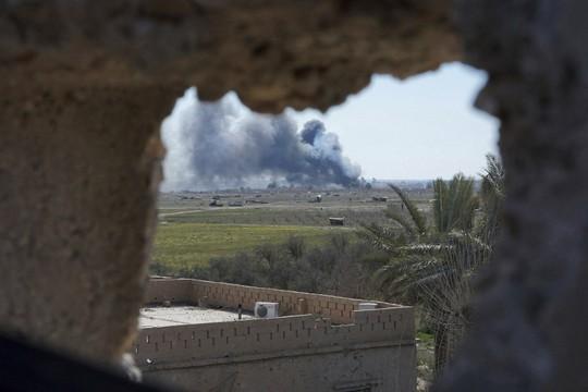 IS tung xe bom, quyết đấu tới cùng ở Syria - Ảnh 2.