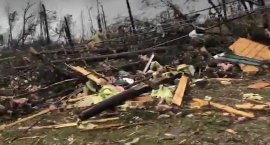Mỹ: Lốc xoáy càn quét, số người chết không ngừng tăng - Ảnh 5.