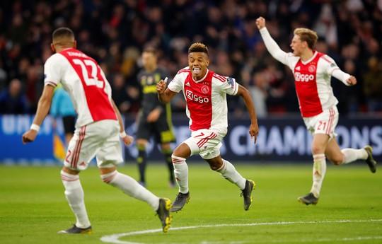 Man United gục ngã sân nhà, Juventus rơi chiến thắng ở Amsterdam - Ảnh 11.
