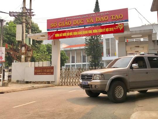 Lãnh đạo UBND tỉnh Sơn La: Nếu phát hiện cán bộ liên quan đến vụ nâng điểm thi sẽ xử lý nghiêm - Ảnh 1.
