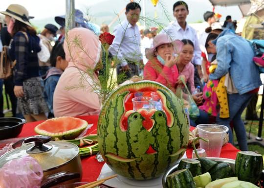 Đặc sắc Lễ hội dưa hấu lần đầu tiên ở Việt Nam - Ảnh 2.